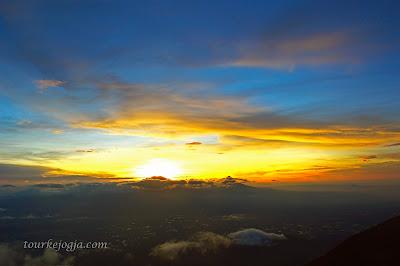 Sunrise dari Pos 4