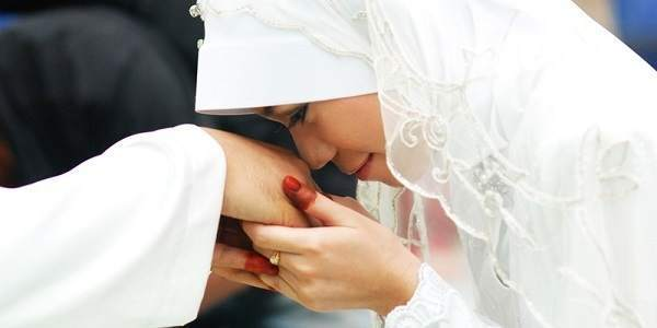 Ciri-Ciri Istri Pengundang Rezeki Bagi Suami