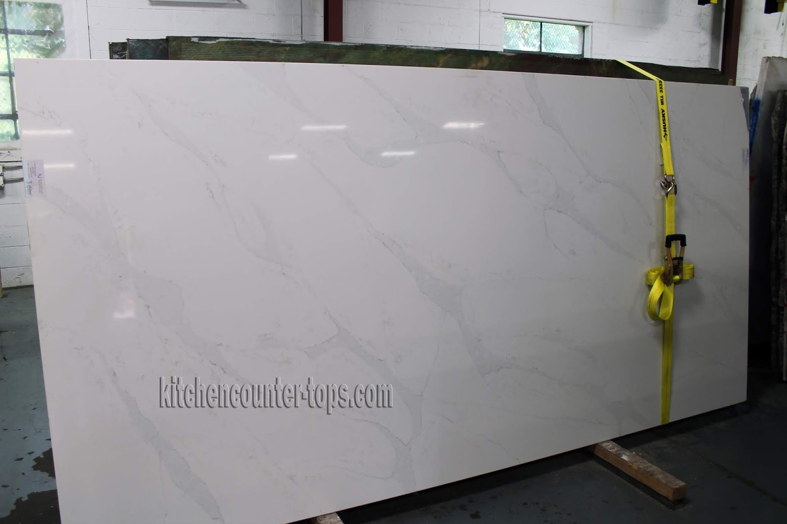 White Quartz Countertops That Look Like Marble Countertops For Kitchen