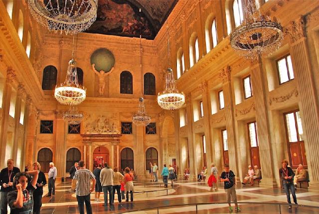 Palácio Real para deficientes físicos em Amsterdã