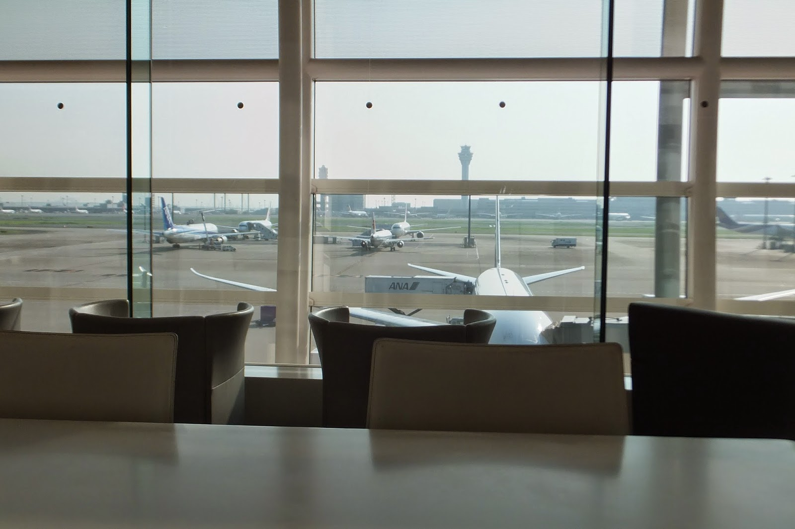 haneda-airport-lounge
