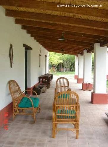 Galería de una típica casa de campo en Argentina