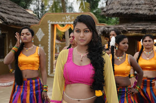 Akshatha Navel Show from Nanbargal Narpani Mandram Movie 1.jpg
