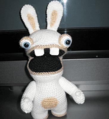 Бешеный кролик вязаный крючком