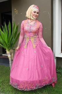 Gaun Pengantin Muslim Modern Warna Pink