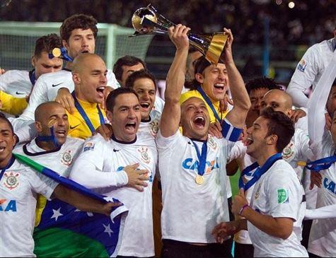Justiça manda penhorar troféu do mundial do Corinthians