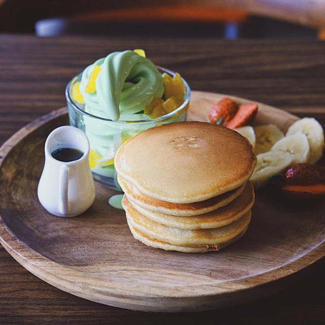Mango Peach Tower Pancake