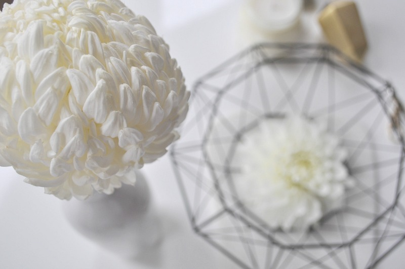 create a neutral space with white flowers