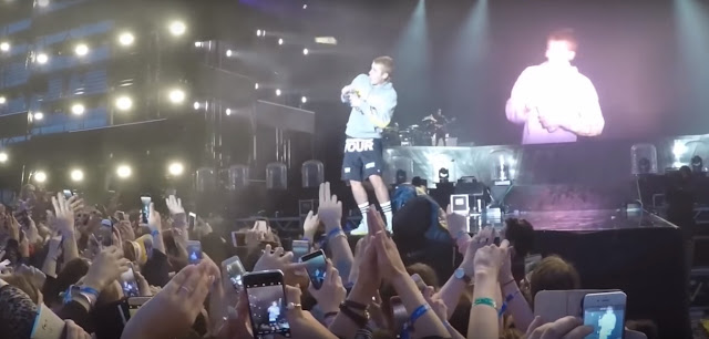 Fans throw Justin Bieber with Bottle for refusing to sing 'Despacito' Live
