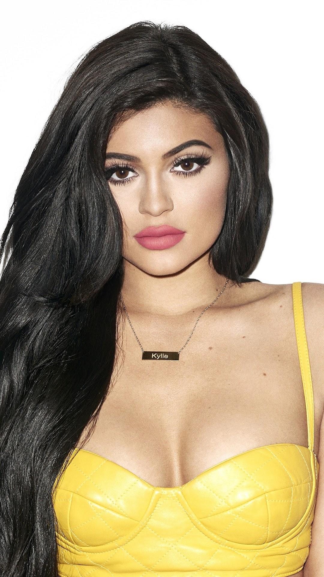 free shipping dff2e 5088d Kylie Jenner Model Brunette Girl 4K Wallpaper #267