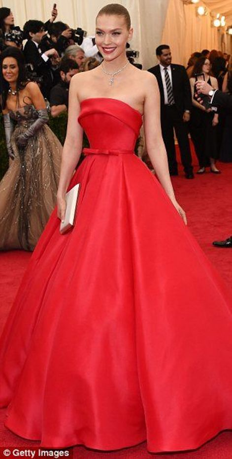 Arizona Muse in a red princess Ralph-and-Russo dress at the MET Gala 2014