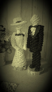 Młoda para z papierowej wikliny