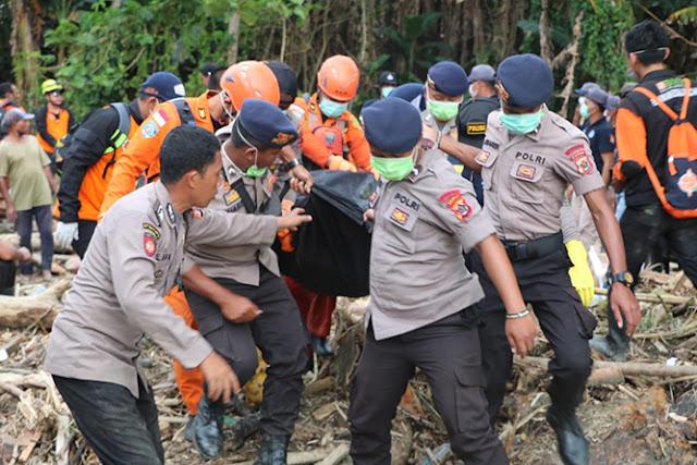 Korban Banjir Bandang di Sentani, Hari Kelima Ditemukan 102 Orang Meninggal Dunia, Kamis (21 Maret 2019).