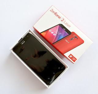 Spesifikasi Asus Zenfone 2 Laser ze500kl  Zenfone 2 Laser ZE500KG mengusung layar TFT capacitive touchscreen 5 inchi beresolusi 720 x 1280 pixels dengan kerapatan layar ~294 ppi pixel density yang mampu memberikan tampilan layar dengan kualitas gambar yang tajam dan kaya warna sehingga sangat nyaman untuk menikmati berbagai konten multimedia. Selain itu, layar pada Asus Zenfone 2 Laser telah dibekali fitur Corning Gorilla Glass 4 dengan daya tahan yang lebih hSobat Gadgetl dari versi sebelumnya sehingga membuat layar lebih tahan terhadap goresan ataupun benturan  Asus Zenfone 2 Laser ZE500KG memiliki desain body yang ramping dan ringan dengan memiliki ukuran body 143.7 x 71.5 mm dengan ketebalan 10.5 mm dan berat 140  gram. Smartphone Asus Zenfone 2 Laser ZE500KG menawarkan pilihan warna menarik yakni Black, Ceramic White, Silver, Sheer Gold dan Glamour Red.  Untuk sektor dapur pacu, Asus Zenfone 2 Laser ZE500KG dipersenjatai dengan chipset Qualcomm MSM8916 Snapdragon 410 didukung pprosesor Quad-core berkecepatan 1.2 GHz Cortex-A53, RAM 2 GB serta GPU Adreno 306 sebagai pengolah grafisnya yang mampu memberikan kinerja cukup Sobat Gadgetl untuk menjalankan berbagai aplikasi multimedia seperti browsing, menonton video,   Bermain game ataupun aktifitas multitasking