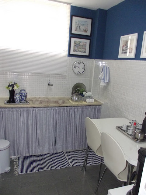 Cozinha Azul do escritório. blog Achados de Decoração