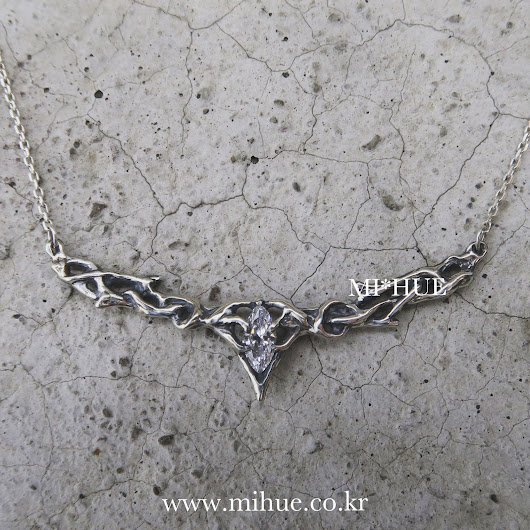 M I * H U E: Thranduil's crown necklace