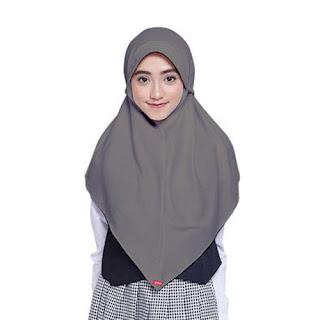 Tips Memakai Jilbab Sesuai untuk Wajah Segitiga