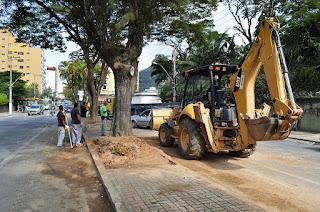 Remodelação de jardineiras do canteiro central em trecho da Av. Lúcio Meira: mais espaço para circulação de pedestres, ciclofaixa e pista de rolamento mais larga