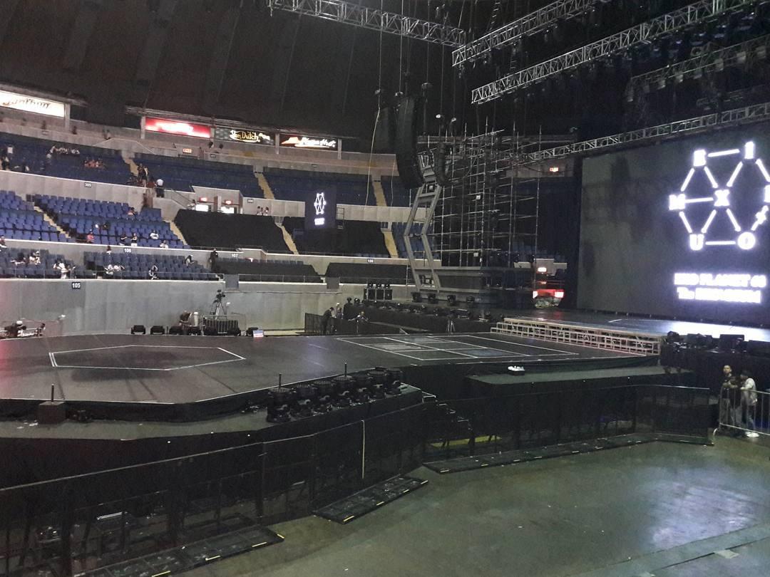 [STREAMING] 170226 EXO PLANET #3 - The EXO'rDIUM in Manila Day 2 #EXOrDIUMinManila