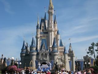Outras atrações turísticas em redor aqui são também os Universal Studios