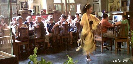 Tari Remo di Restoran Inggil Malang