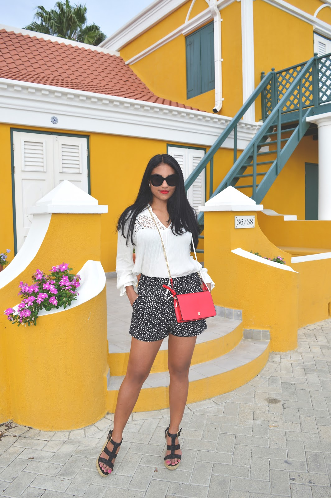 fashion blogger aruba summer style red lip casual the fashionably late blog aishly tromp
