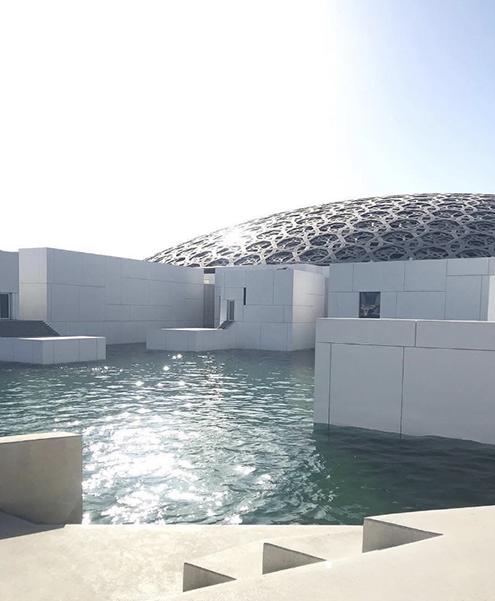 louvre-abu-dabhi-water-agua-emiratos-arabes-unidos-cubierta-timelapse-time-lapse-jean-nouvel-architect-steel-acero-architecture-arquitecto-arquitectura-structure-Mashrabiya-proteccion-solar-brise-soleil-inauguracion-inauguracion-2018-2019