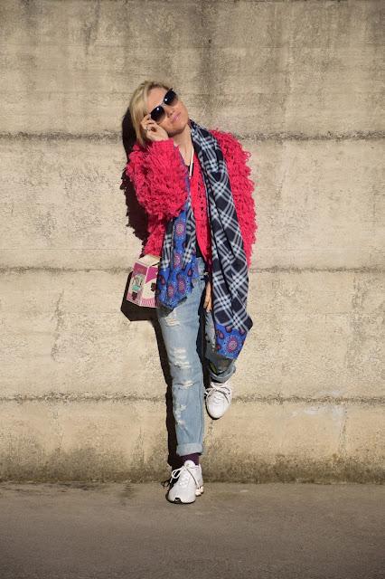 jeans e scarpe da tennis abbinamenti jeans e scarpe da tennis jeans e sneakers  mariafelicia magno fashion blogger colorblock by felym fashion blog italiani blog di moda blogger italiane di moda web influencer italiane