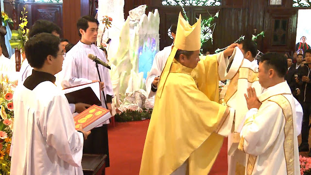 Lễ truyền chức Phó tế và Linh mục tại Giáo phận Lạng Sơn Cao Bằng 27.12.2017 - Ảnh minh hoạ 256