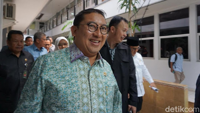 Fadli Zon Jawab Menag: Sosok Kau di 'Doa yang Ditukar' Makelar Doa