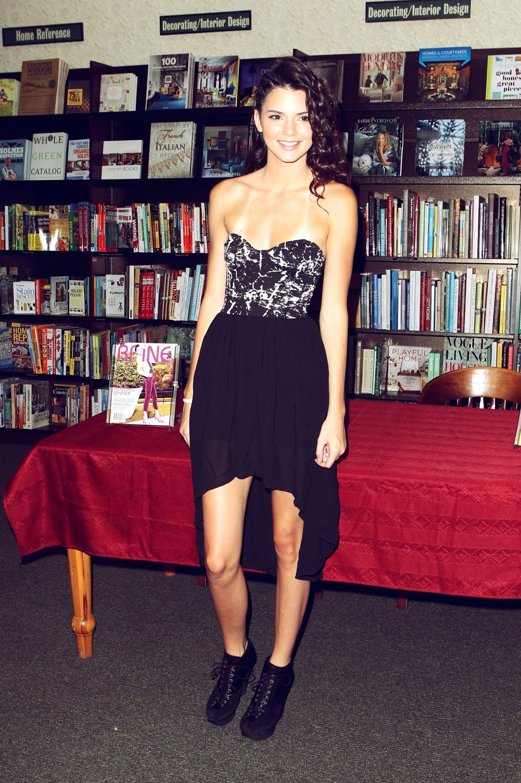 14 - Signing and Autograph RAINE Magazine at Barnes & Noble on August 18, 2012