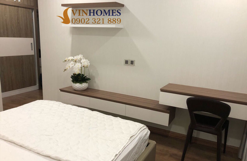 Chủ nhà bán gấp căn hộ Vinhomes tòa Park 5 có nội thất nhà đẹp | phòng ngủ chưa trang bị tivi