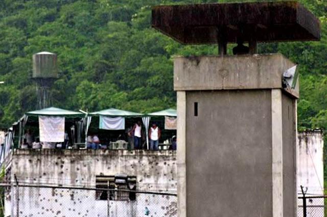 ¿Aló, Iris? Más de 100 muertes violentas en cárceles venezolanas durante 2017