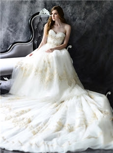 Alt+Vintage Sweetheart Pleated Bodice A Line With Beaded Applique And Bowknot Tulle Royal Train Wedding Dress (11341442)