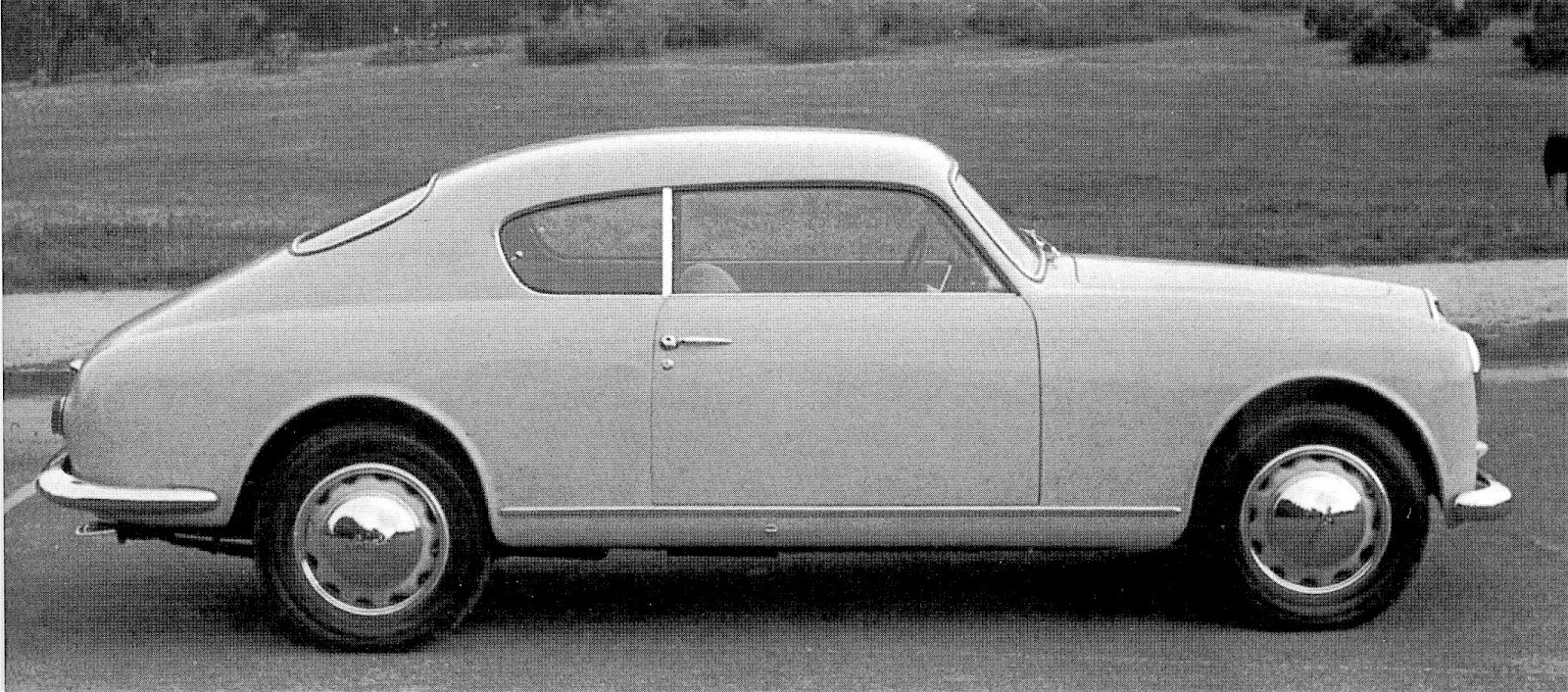 side view of a 1953 b20 berlinetta gt 2500 the side window profile is yet another demonstration that bmws famous shape was far far from original