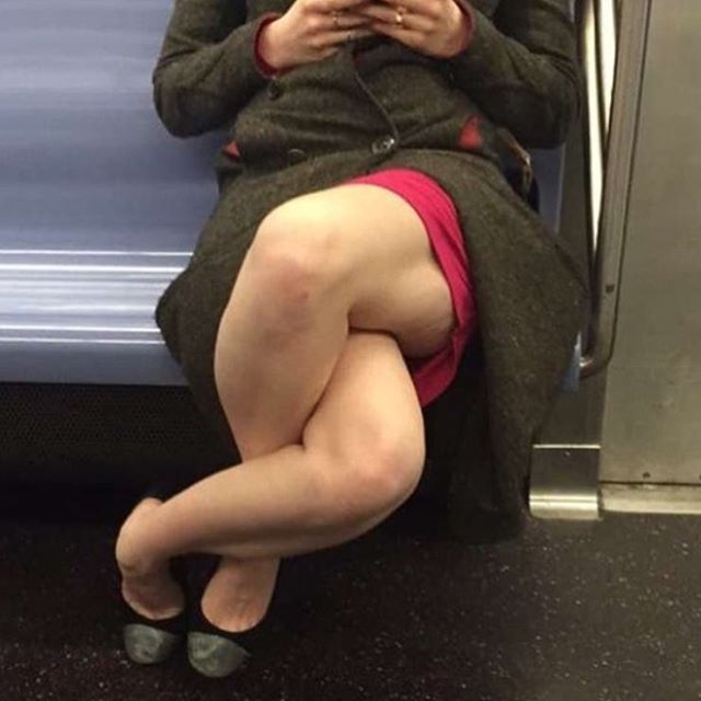 pic of lady's intertwisted legs gone wild on the internet