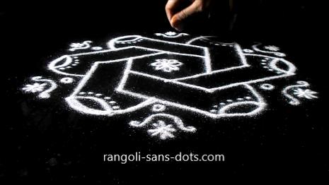 Diwali-muggulu-with-dots-169ae.jpg