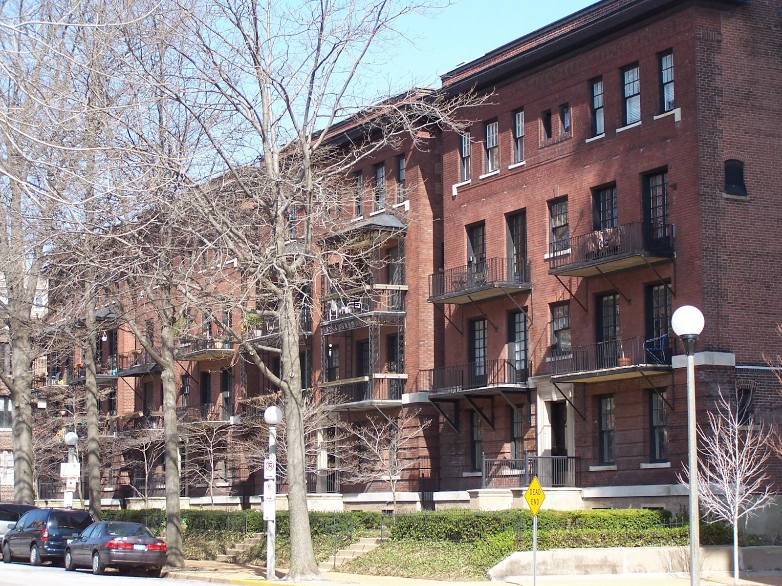 This Beautiful Row Of Apartments Each With 8 Large Units Were Built In 1909 And 1910 Today These Structures On The 4900 Block Laclede Avenue Are