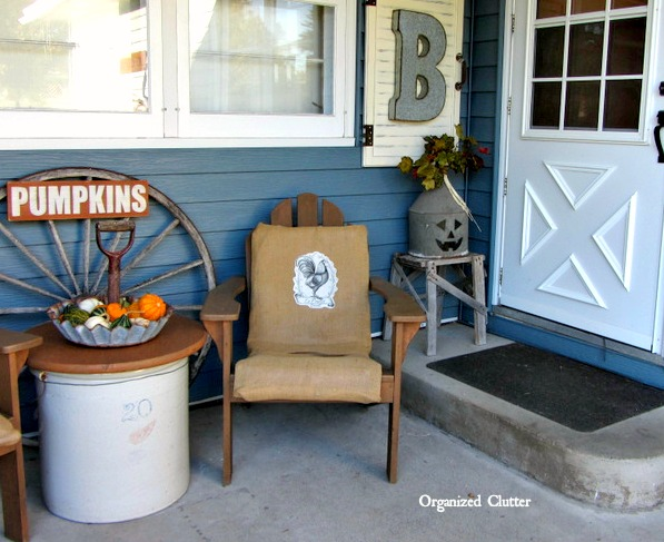 Outdoor Fall Rustic Decor www.organizedclutterqueen.blogspot.com