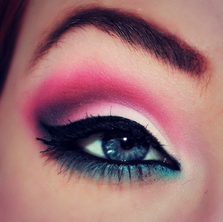 beauty is in the eye of the beholder pink smokey eye