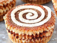 MINI CINNAMON ROLL CHEESECAKES