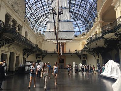Wenn ein Segelschiff im Museum hängt, gesehen im Museo della Belles Artes © diekremserin on the go