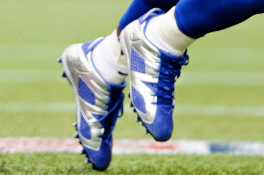 Dez Bryant Rocks Cowboys Air Jordan 6 Low Cleats In Win