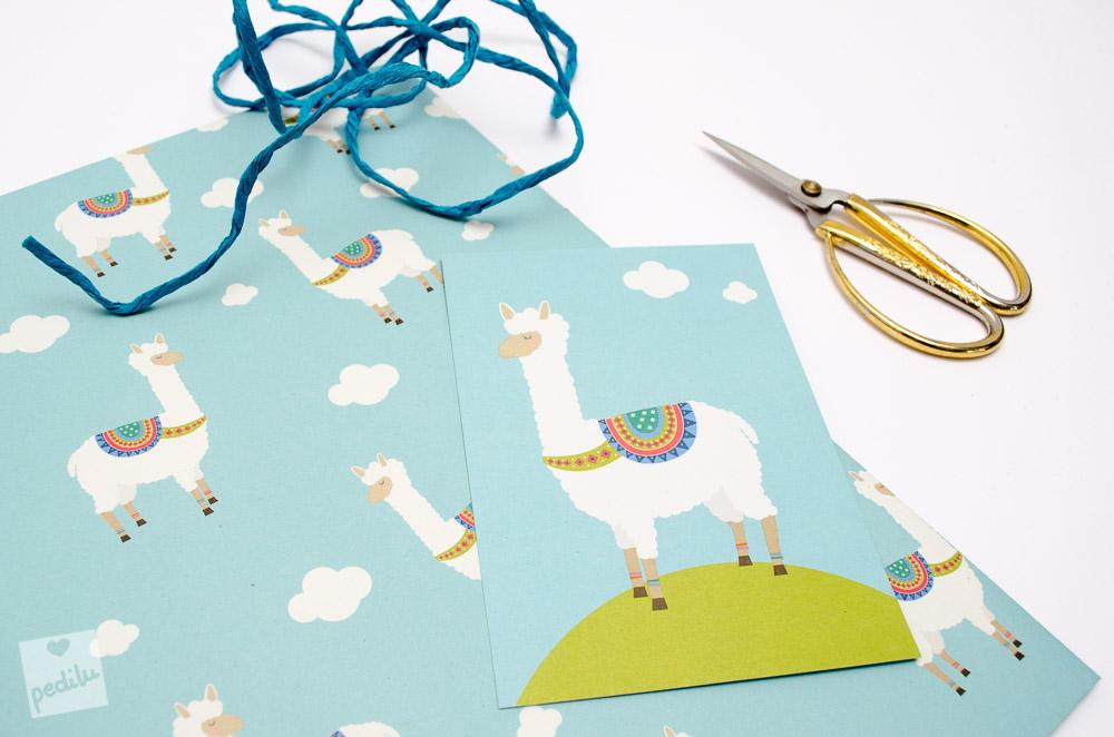 7 Lama-Ideen zum Verlieben – Geschenkpapier