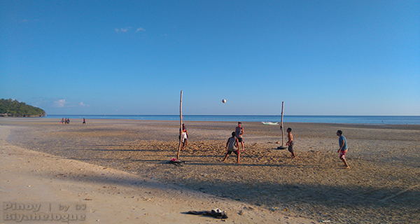 Beach volleyball in Santiago White Beach