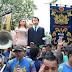 Boneco gigante de Jair Bolsonaro é recebido sob vaias em Olinda