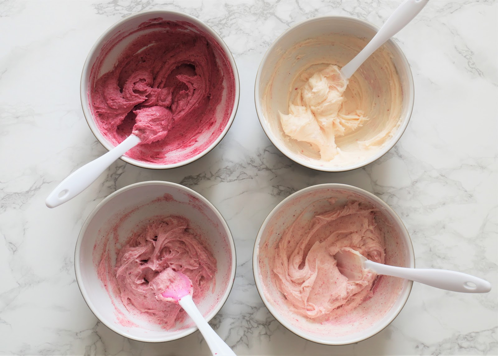 raspberry-cream-cheese-frosting