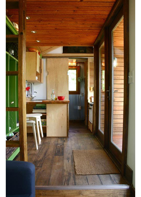 Tiny house town modern tiny house for tall people for Simple modern tiny house