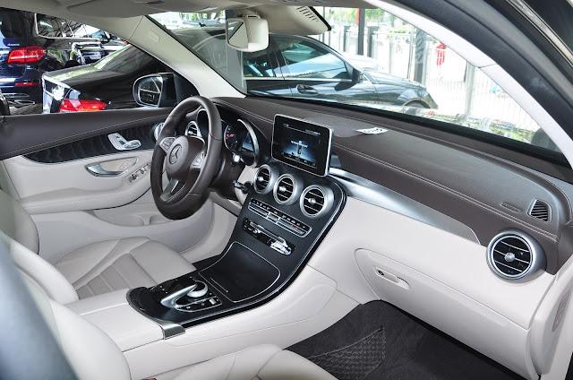 Nội thất Mercedes GLC 300 4MATIC thiết kế sang trọng