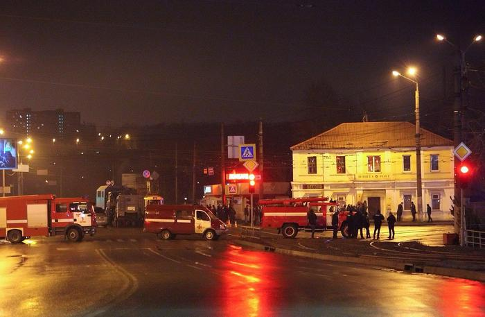 Ucraina,si barrica in poste con ostaggi
